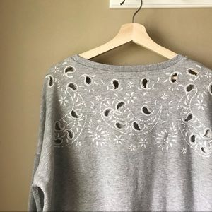 American Eagle | Cut Out Paisley Design Pull Over